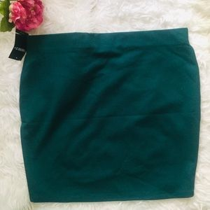 NWT Forever21 Ponte Mini Pencil Skirt. Size 1X